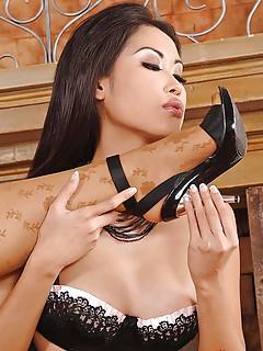 Asian Lesbians Porn